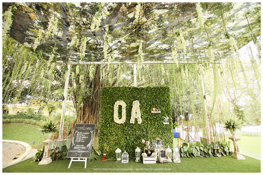 Wedding outdoor on green raffless hills for Green garden pool jakarta