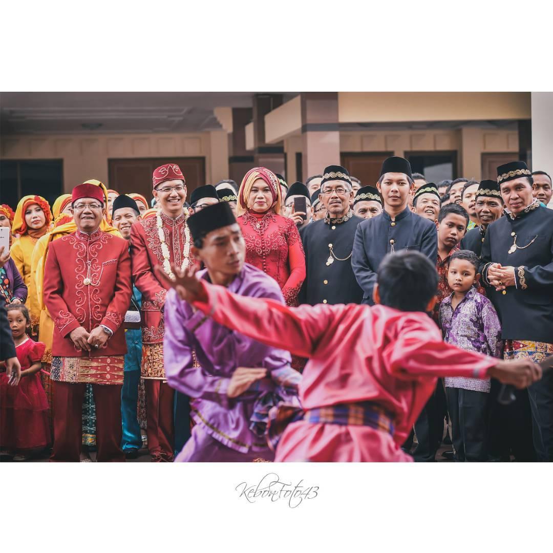 Prosesi Palang Pintu Pernikahan Adat Betawi