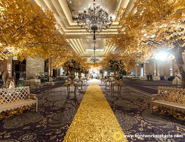 Tema Dekorasi Pernikahan Floral Glamour Menjadi Tren