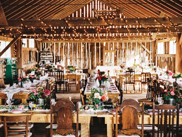 Wedding Outdoor Dengan Konsep Tema Rustic