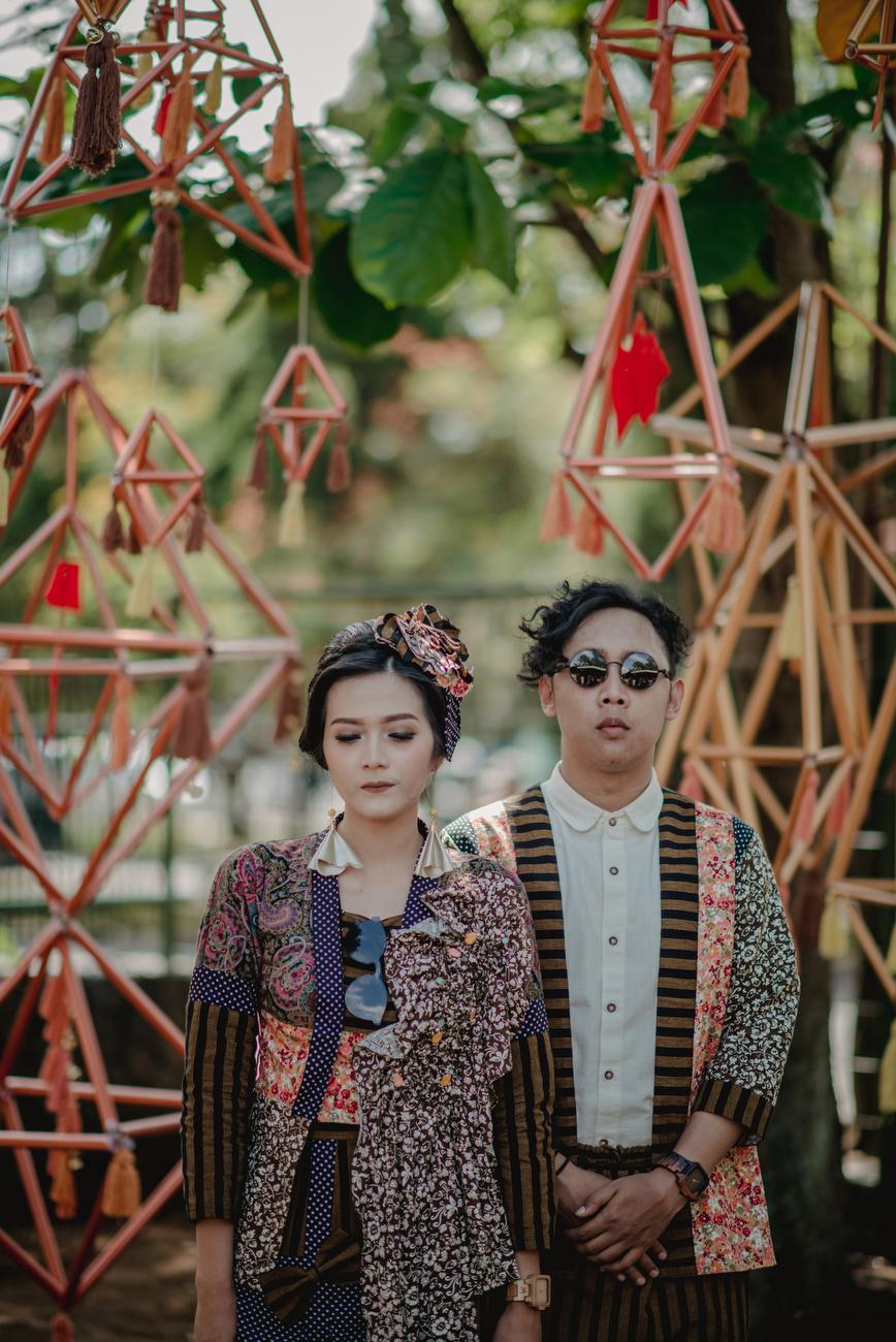 Keseruan pernikahan outdoor eklektik etnik ala fina & agi di kota ...