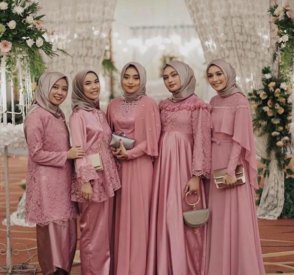 5 Tips Memberi Seragam Untuk Bridesmaids Seputar Pernikahan