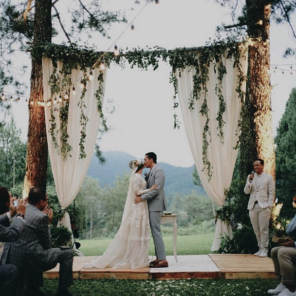 Inspirasi Pernikahan (Wedding) Outdoor Andien Dan Ippe